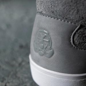 Lacoste_Footpatrol_SneakerDetail_GreyLogo